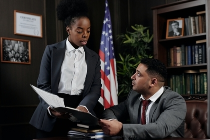 What Are the Duties of a Paralegal?